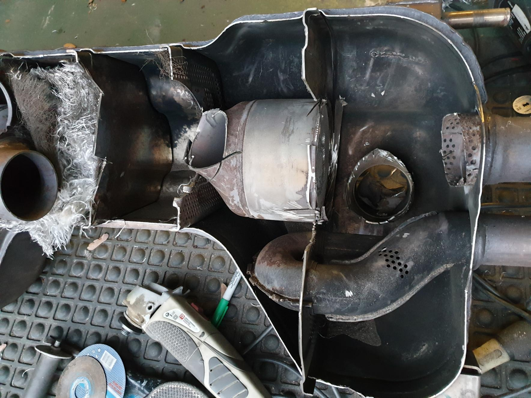 Depacking Stock V8 Exhaust.-20190407_192646.jpg