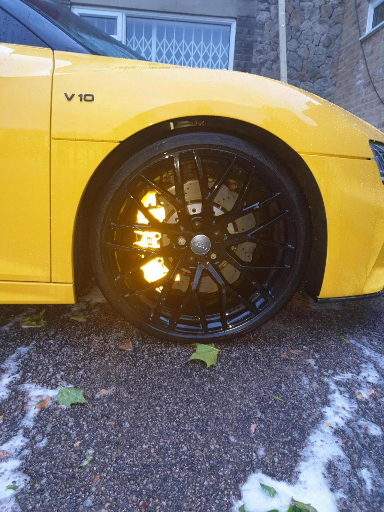 Calipers wrapped in reflective yellow wrap!-20190730_205645_1565951229359.jpg