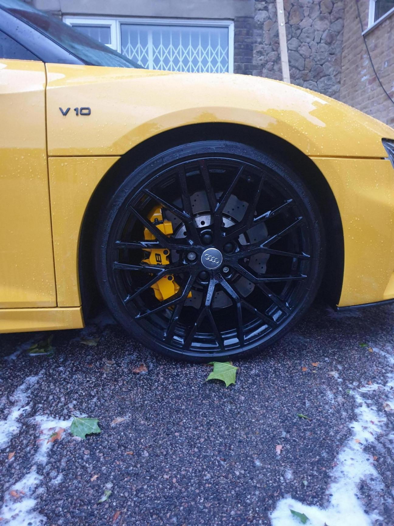 Calipers wrapped in reflective yellow wrap!-20190730_205652_1565951206158.jpg