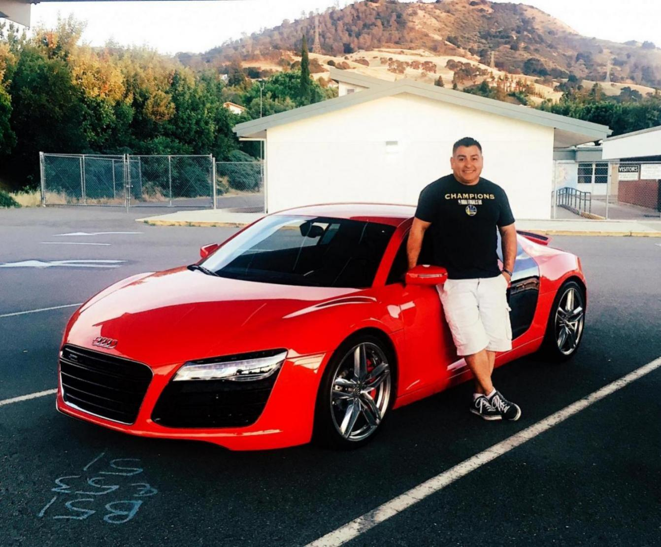 Owners photo with their R8.-44647_1559449317842.jpg