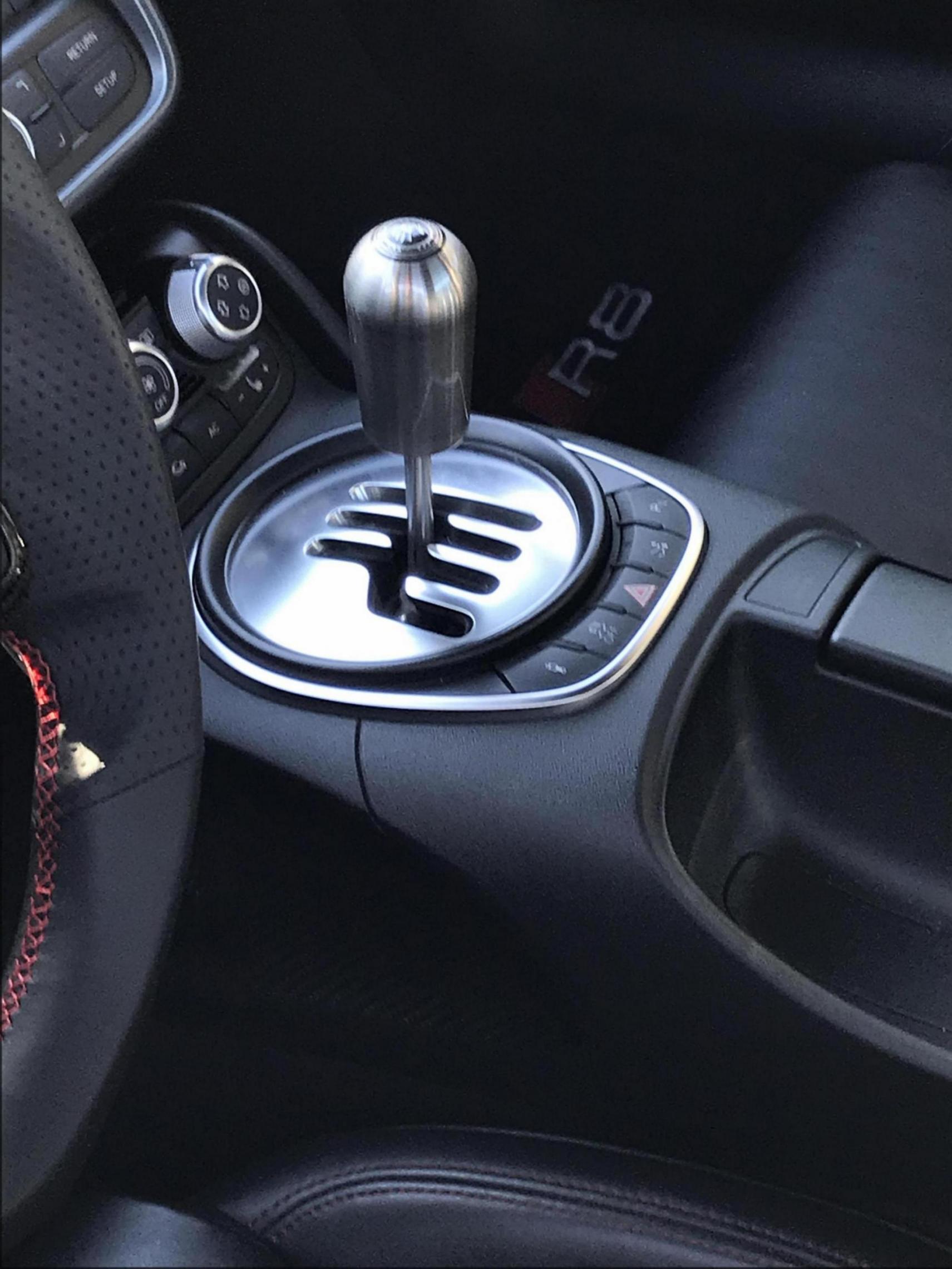 Gallardo shift knob on manual transmission R8?-a98d0312-f49d-411f-a90c-b947627e0a6a_1543821204449.jpg