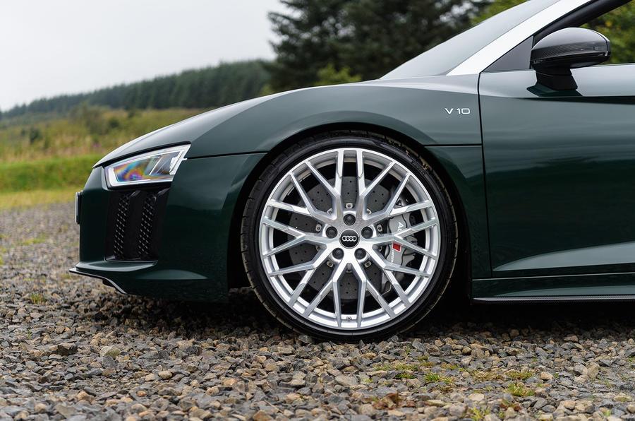 Looking to buy new wheels-audi-r8-spyder-v10-plus-alloy-wheels.jpg