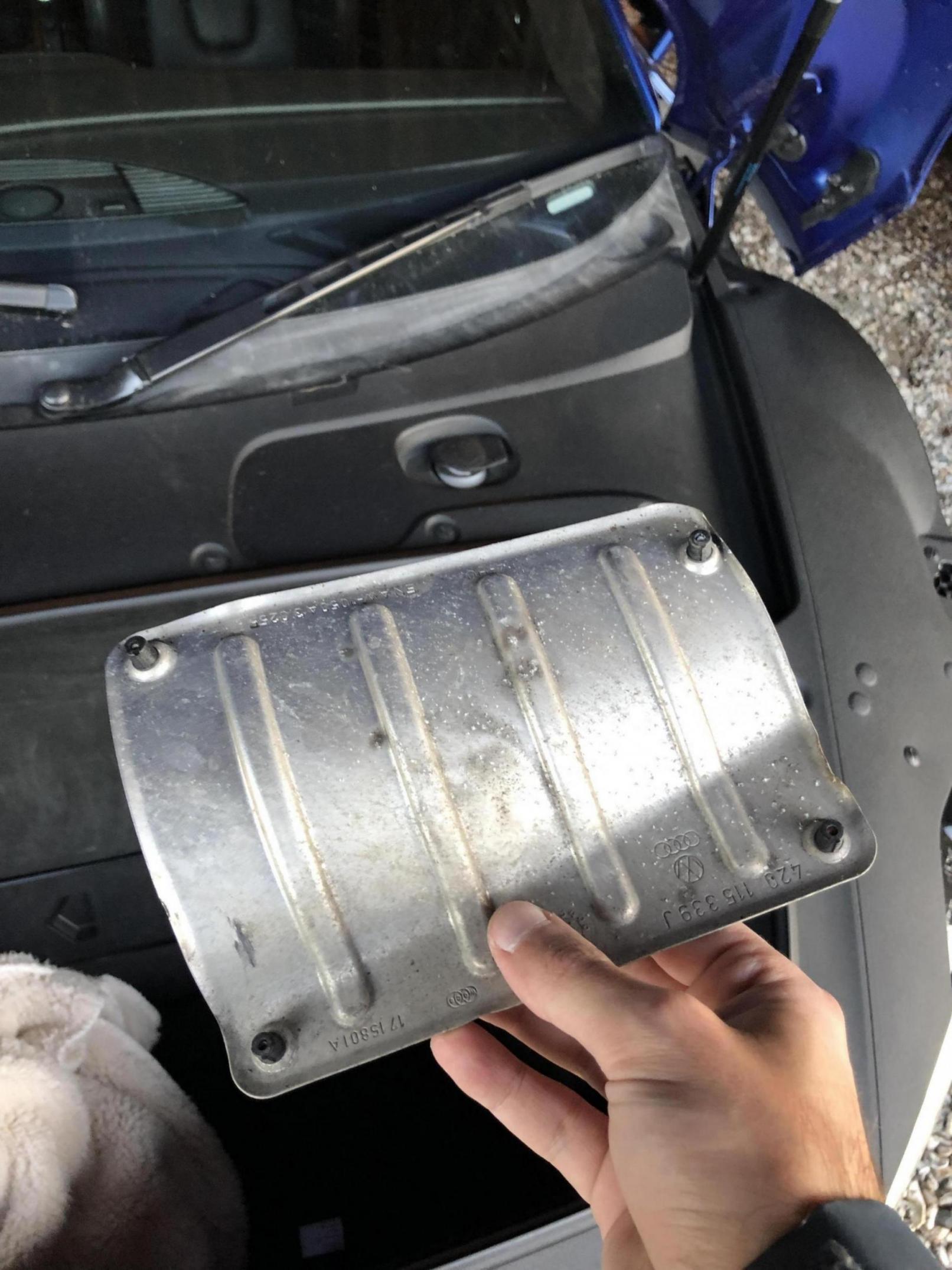 What's this part Audi left off?-cfecb25d-6115-4743-8b59-48de8d073936_1568403825167.jpg
