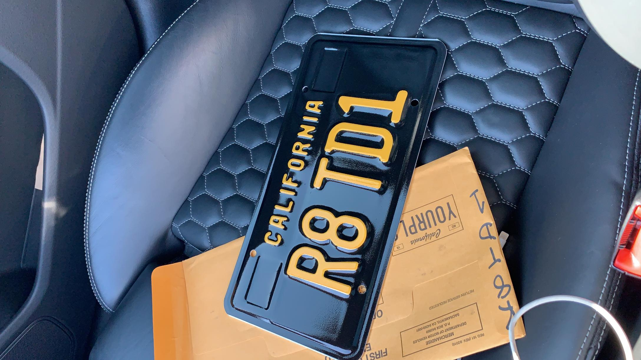 Best Custom License Plate-f15dc150-3d1a-4f18-bf80-b964e29955d5.jpg