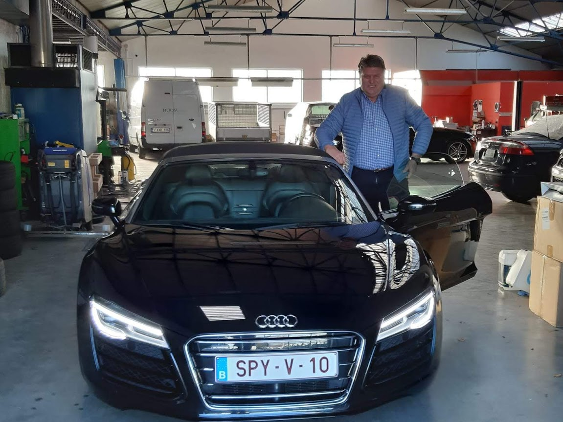 Owners photo with their R8.-img-20190119-wa0002.jpg