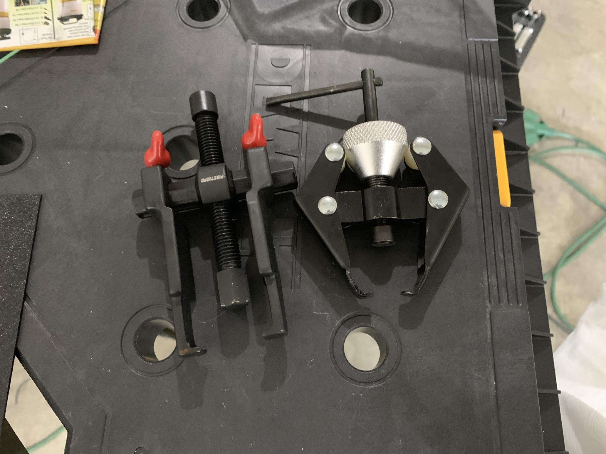 Brake fluid reservoir access-img_1258-1-.jpg