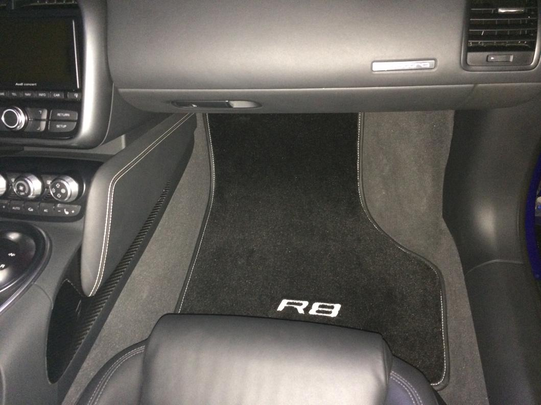 Audi R8 Carbon Edition Floor mats - New Interior Projects ...