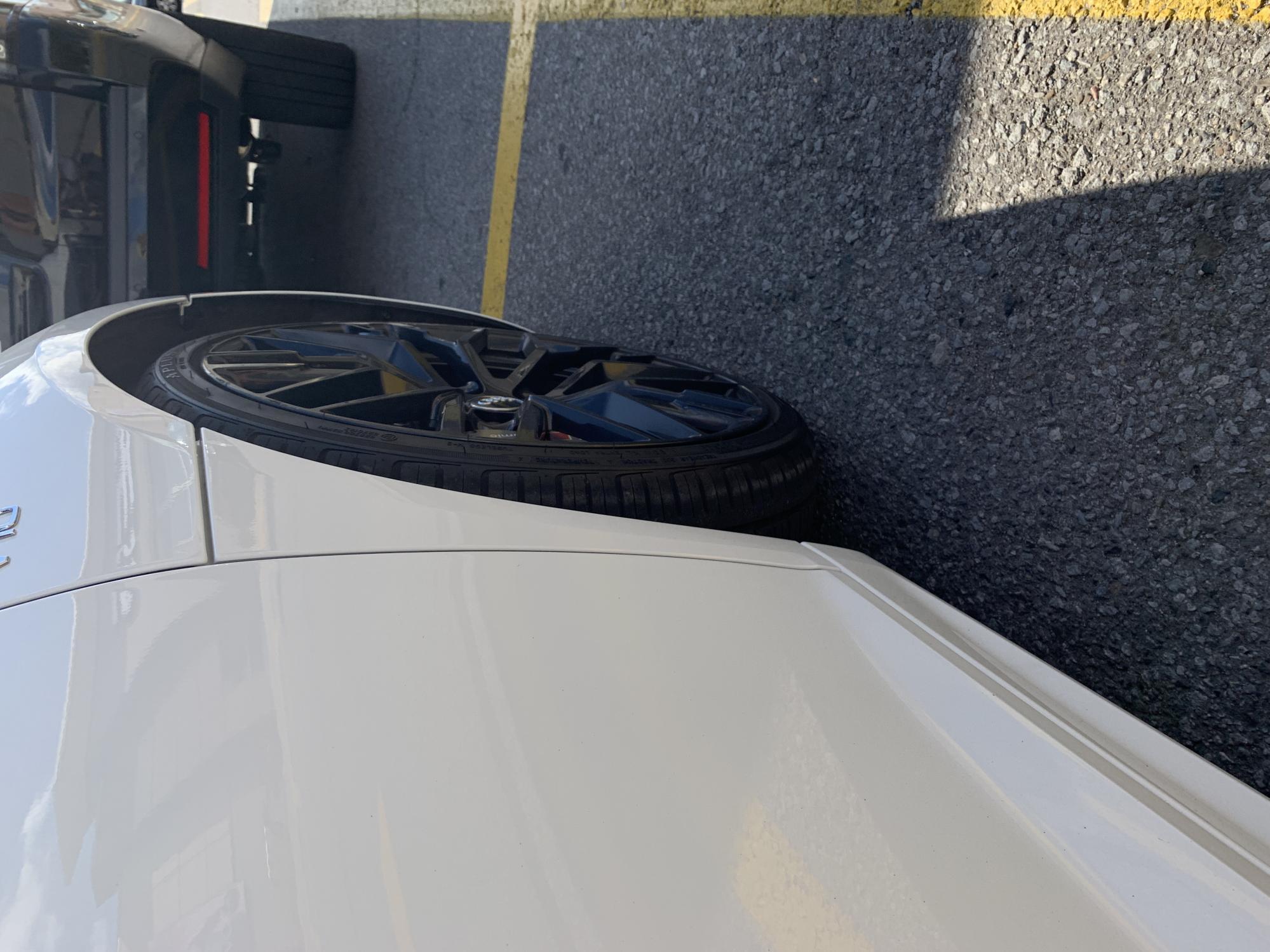 Hit a curb with my 2018 r8 plus!!!please help-img_1848.jpg