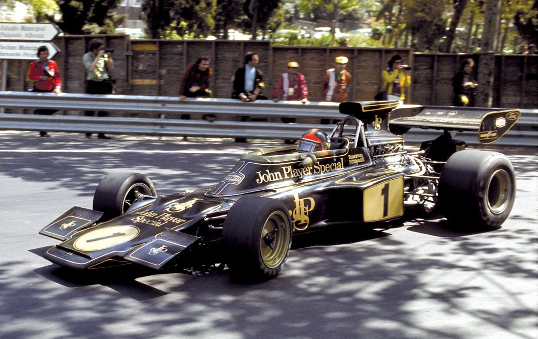 Does this look right?-lotus-72-jps-colours..jpg