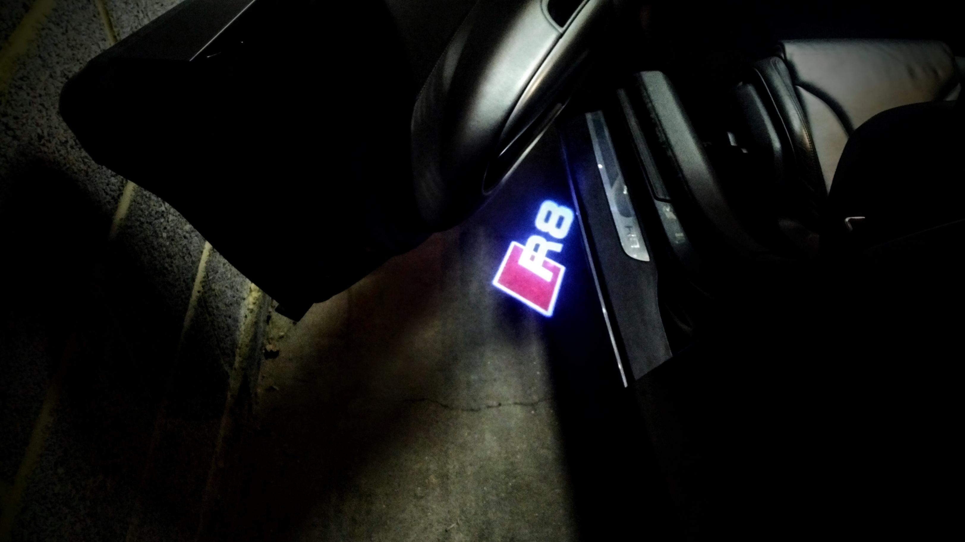 Puddle lights Rings or Quattro?-puddle-light-r8.jpg