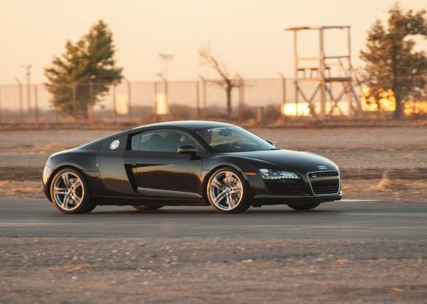 Showcase cover image for Audi R8 4.2 FSI